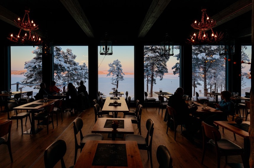 Inari wildernesshotel restaurant winter